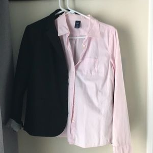 GAP pink button down LIKE NEW